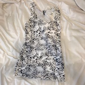 BKE black and white print tank top Size Small